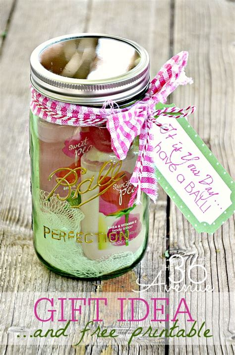 Handmade Ideas For Gifts - jar gift idea and free printable the 36th avenue