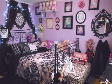 damask bedding decorate me pinterest beautiful pastel goth room wall color bedspread ish decora 231 227 o