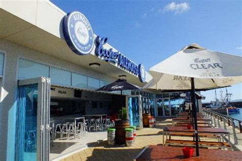 cooper ale house coopers ale house seafood and local wines the mac s beachfront villas wallaroo yorke