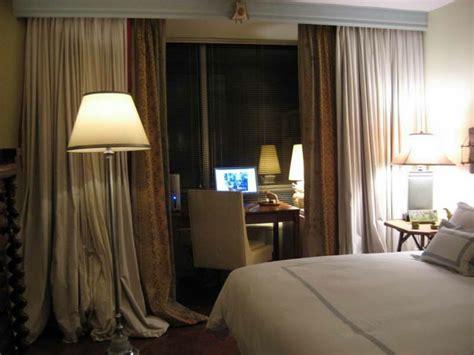 gold vorhänge schlafzimmer design schlafzimmer vorhang