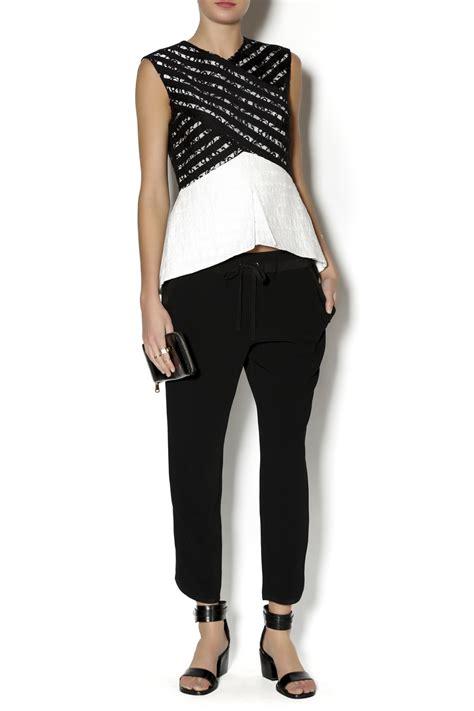 Hk Top Hitam Fit L Cc bcbg max azria vicki sleeveless top from new york by