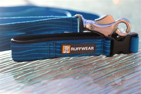 best leash for running ruffwear flat out leash review best running leash we live a lot