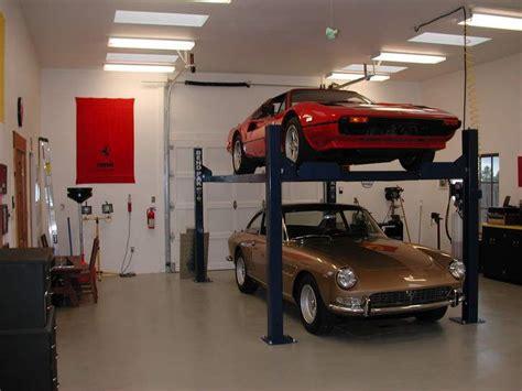 garaje y talleres el carro esta dentro del garaje garage pinterest
