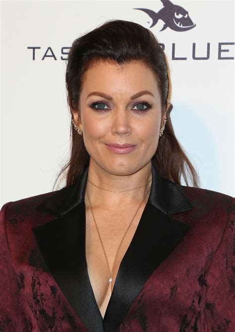 Vanity Tag Bellamy Young At 25th Annual Elton John Aids Foundation S