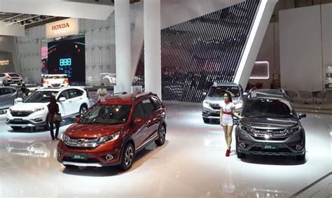 Jual Indonesia honda yakin jual 210 ribu mobil di indonesia pada 2017 okezone news