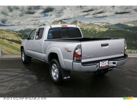 toyota tacoma silver 2013 toyota tacoma v6 trd sport double cab 4x4 in silver