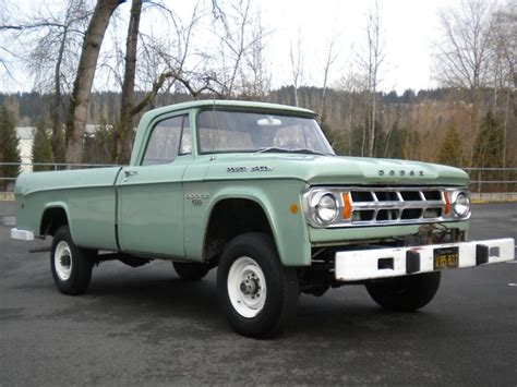 dodge w200 power wagon dodge power wagons pinterest 1968 dodge power wagon w200 cars pinterest dodge