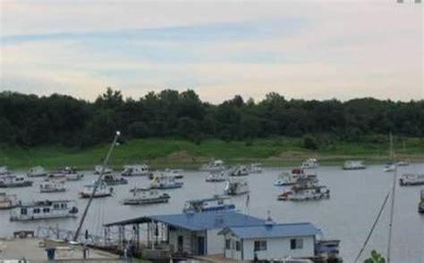 fishing boat rentals des moines iowa saylorville lake marina houseboat magazine
