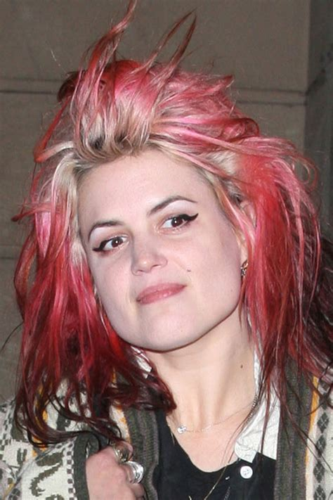 tattoo alison mosshart alison mosshart straight pink colored roots messy