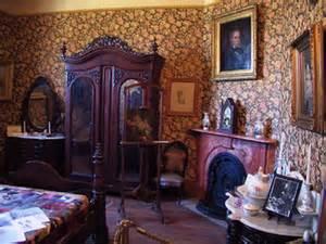 Victorian Era Home Decor decoration in the victorian era