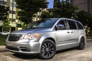 2015 Chrysler Town And Country Minivan 2015 Chrysler Town Country New Car Review Autotrader