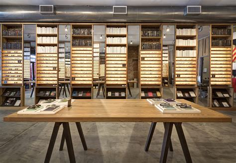 Google Virtual Tour   Street View Indoors   Warby Parker NYC