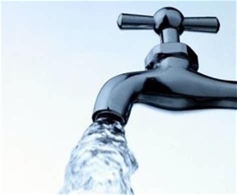 acqua rubinetto roma aumento tariffe acqua adusbef aggravio pro capite in
