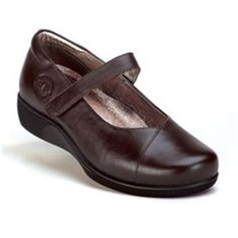 comfortable shoes for bad feet footwear shoes and the o jays on pinterest