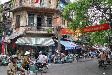 consolato cambogia gemilina assorgia denuncia abbandonata in dal