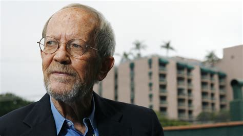 More On Monday Out Of Sight By Elmore Leonard by Elmore Leonard 1925 2013 Dead At 87 The Superslice