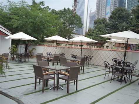 restourant tables outdoor patio furniture restaurant