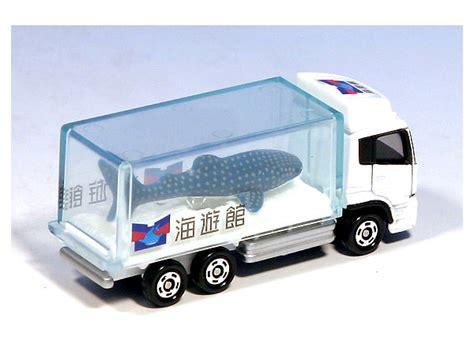 Aquarium Truck By Tomica 069 aquarium truck w whale shark by takara tomy