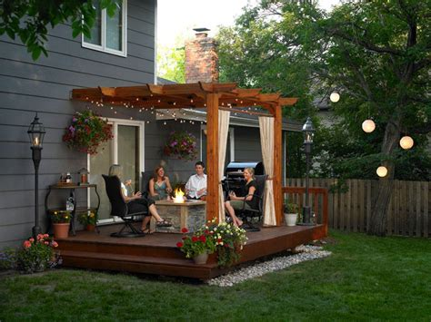 Pergola Ideas For Small Backyards Small Backyard Decks Patios Landscaping Gardening Ideas