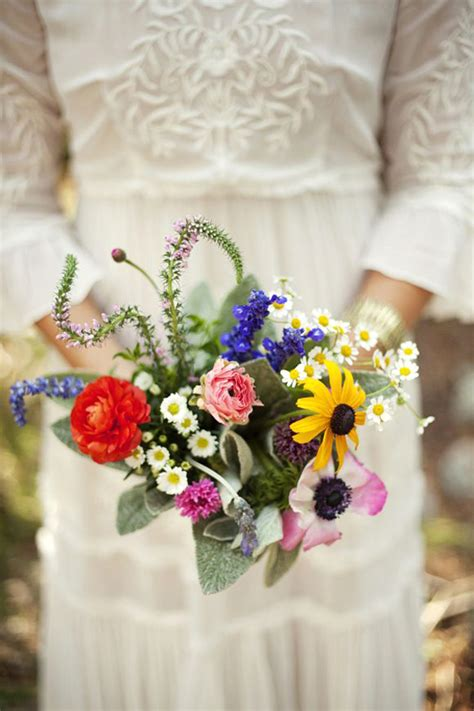 fiori estivi per matrimonio bouquet colorato il bouquet da sposa perfetto per un