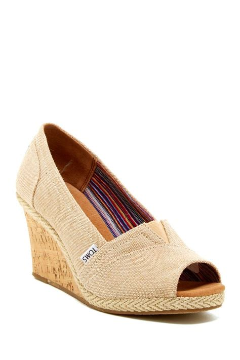 high heeled toms 22 best images about shoes on toms peep toe