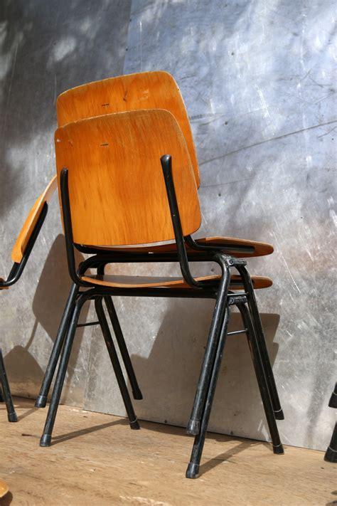design len jaren 60 partij industrieel vintage marko schoolstoelen jaren 60