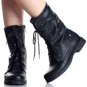 are there black work boots for work wear