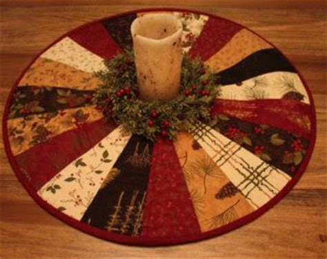 google christmas tree shop kitchen table runners not xmas quilted table toppers search quilting search table toppers and