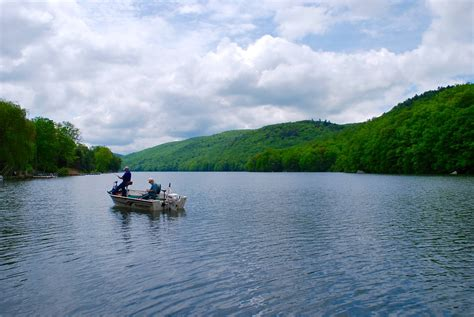 candlewood lake boat launch i love squantz pond lake and state park in ct
