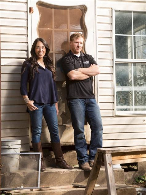 fixer upper stars chip and joanna gaines plan to open 1402 best fixer upper chip joanna gaines images on