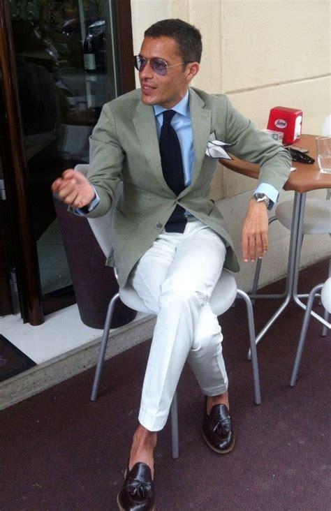 the top 10 best blogs on italian fashion brands ビジネスシーンで使えるメンズのホワイトパンツ着こなし術 サラリーマンのスーツ 着こなし術