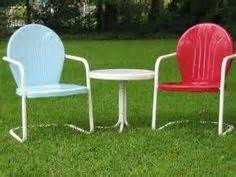 Rewebbing Patio Chairs 1000 Ideas About Metal Lawn Chairs On Vintage Metal Chairs Porch Glider And