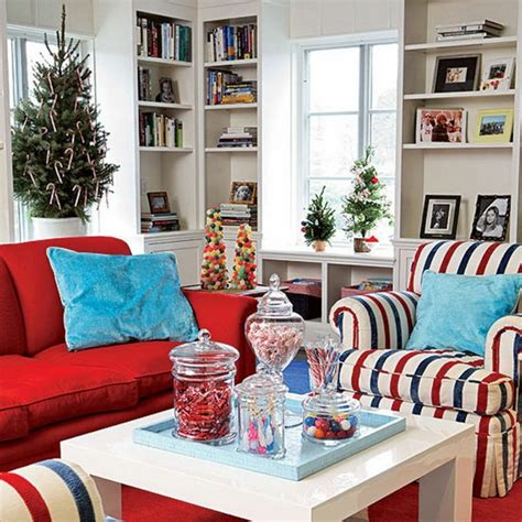 decorating in red 23 great home decor ideas style decoracion de navidad ideas para decorar casas peque 241 as