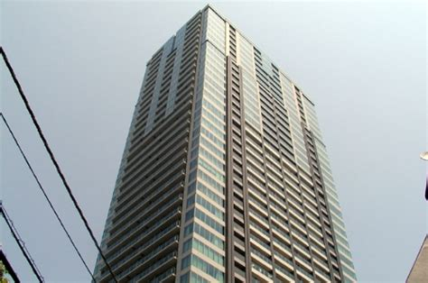 100 floors tower level 84 akasaka tower residence top of the hill level 37
