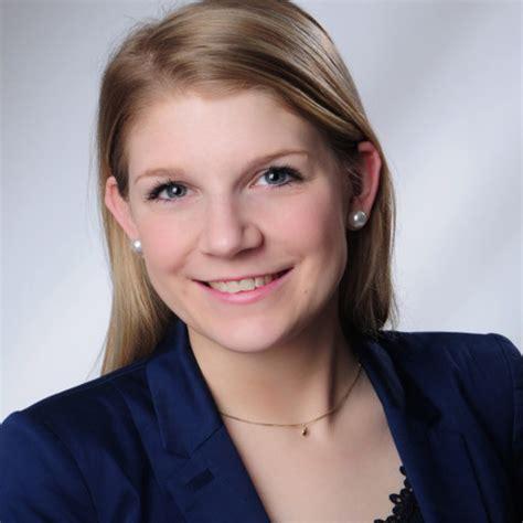 Janina F Keng舩 Janina Zimmermann Competence Center Recruiting