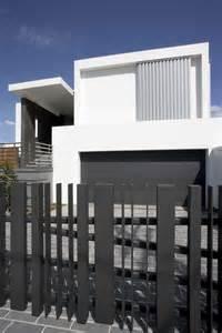 Minimalist Modern Home Designs Iroonie Exterior Designs Fancy Modern Minimalist House Exterior