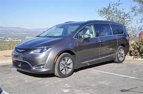 2010 Chrysler Pacifica by 2017 Chrysler Pacifica Hybrid Drive Of In