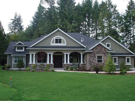 craftsman style homes plans charming and spacious 4 bedroom craftsman style home