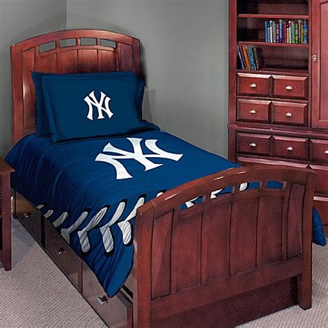 yankees bedroom major league baseball twin full comforter set new york yankees bed bath beyond