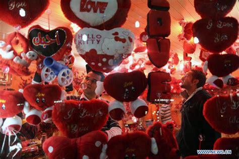 Bantal Cinta Boneka foto nuansa 2013 di berbagai negara risalahati