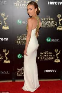 giuliana rancic too skinny 2014 giuliana rancic wins fan favourite at daytime emmys in