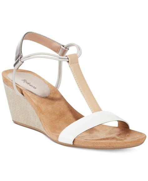 wedge heel shoes wallpaper