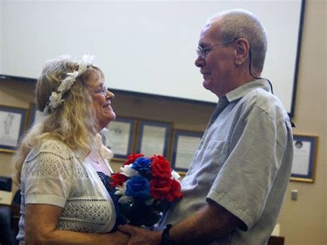 World Record Marriage Shatters World Record After Getting Married 109 Times Bridalguide