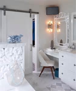 Makeup Vanity With Sliding Mirror 45 Barn Style Sliding Door Ideas In Home D 233 Cor