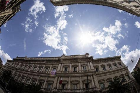 crisi veneto quot bankitalia ha scoperto le crisi in veneto quot