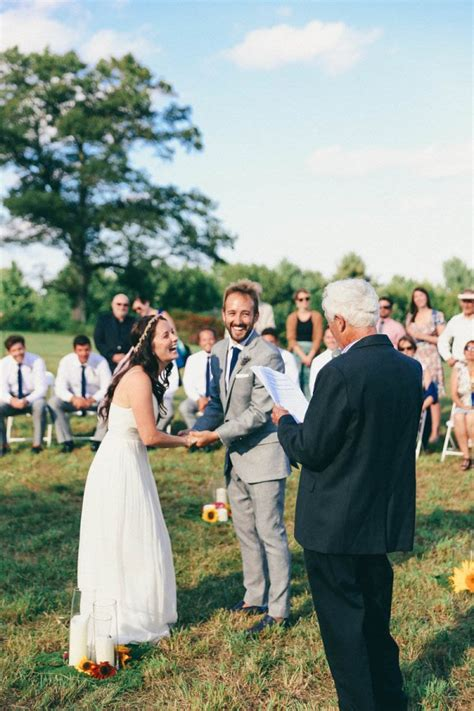 Casual Backyard Wedding In Massachusetts Junebug Weddings Casual Wedding Ideas Backyard