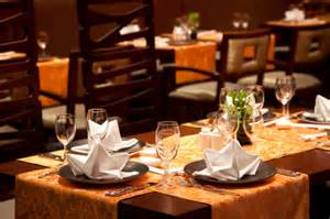 restaurant table linens tablecloths accents