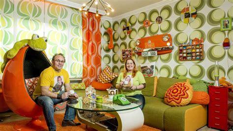 wohnzimmer 70er jahre familie fletzoreck lebt komplett im seventies look wir