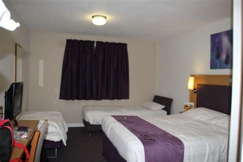 rooms near gatwick airport family room at premier inn picture of premier inn gatwick airport a23 airport way