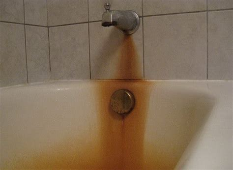rust stains in bathtub how to remove rust from bathtub toilet or sink easy diy removeandreplace com